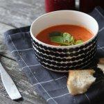 Tomaattisesongin maanantaisoppa – tomaattikeitto