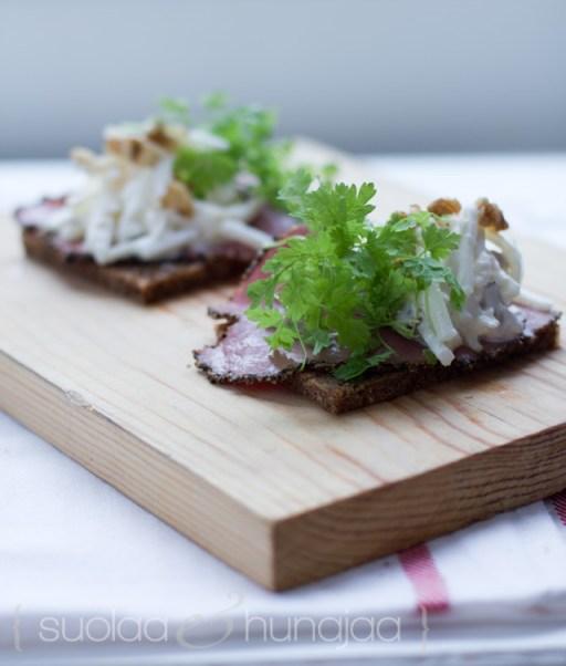 suolaliha-waldorfin-salaatti
