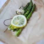Parsaa paketissa – uunissa höyrytettyä parsaa
