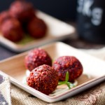 Kasvisruokaa joulupöytään – Punajuuripyörykät soijasta