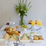 Juhlat arjen keskellä – kello viiden tee ja mango-mandariinikakku