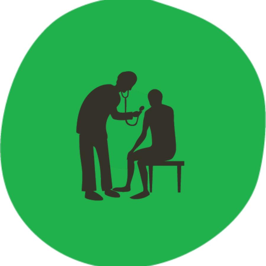 Yksi hahmo tutkii potilaan hengitystä. Linkki infotekstiin sairaanhoitajan kuukausipalkasta.