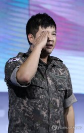 160910-official-defense-expo-korea-homecoming-day-with-shindong-sungmin-eunhyuk14