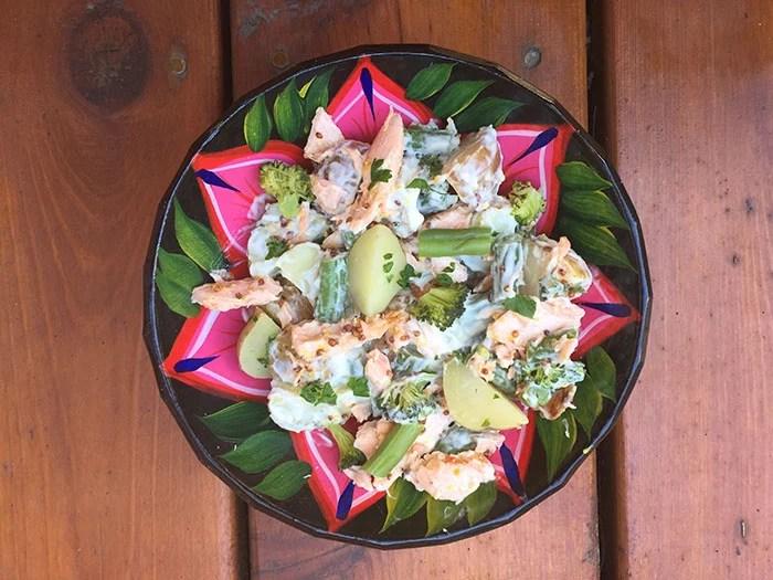 salade de pommes de terre,saumon,brocolis et haricots
