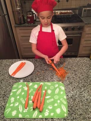 Eplucher les carottes