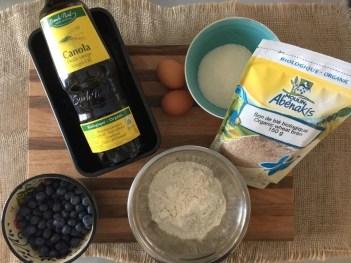 Les ingrédients pour le cake aux bleuets et son de blé