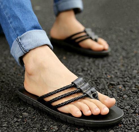 dece93731fc8 Dámske sandále s čo nosiť. Pánske sandále. Výber oblečenia na ploché ...