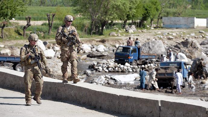 Afghánistán má další oběti. Je správné bránit naši vlast daleko od domova?