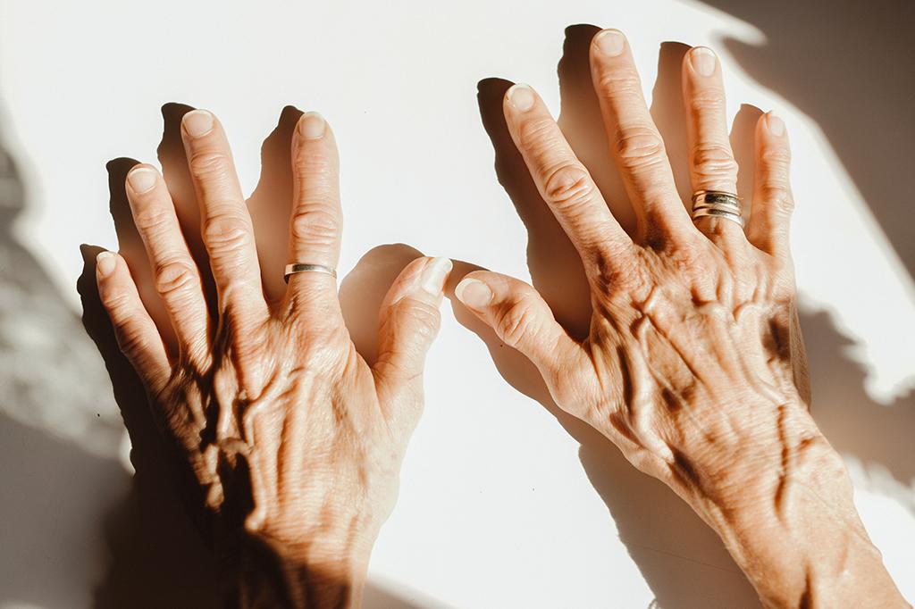 Resultado de imagem para sign language