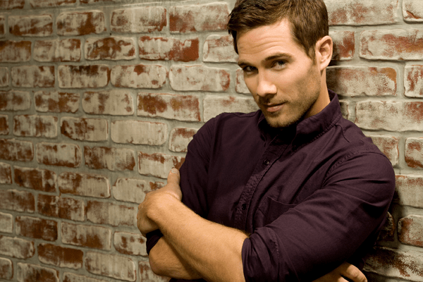 Luke Macfarlane Movies, Background, Acting, Music, Stage, Relationship and Net Worth
