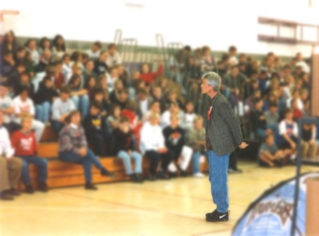 2007-Becomes-Ambassador-and-Speaker-for-Foundation-for-a-Drug-Free-World