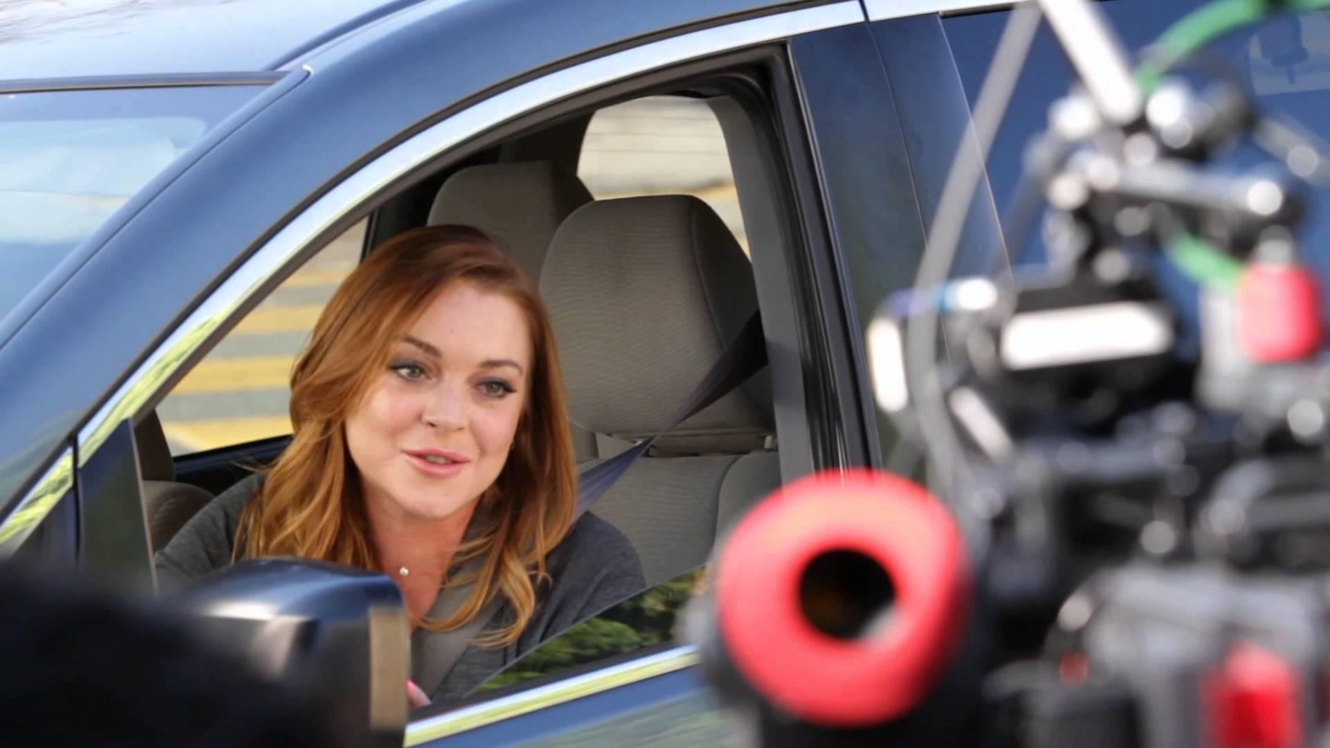 Lindsay lohan star esurance commercials