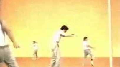 2003 HANES – Go Tagless with Jackie Chan, Michael Jordan