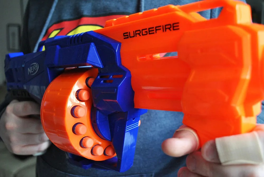 Nerf wars with the N-Strike Elite Surgefire | Review