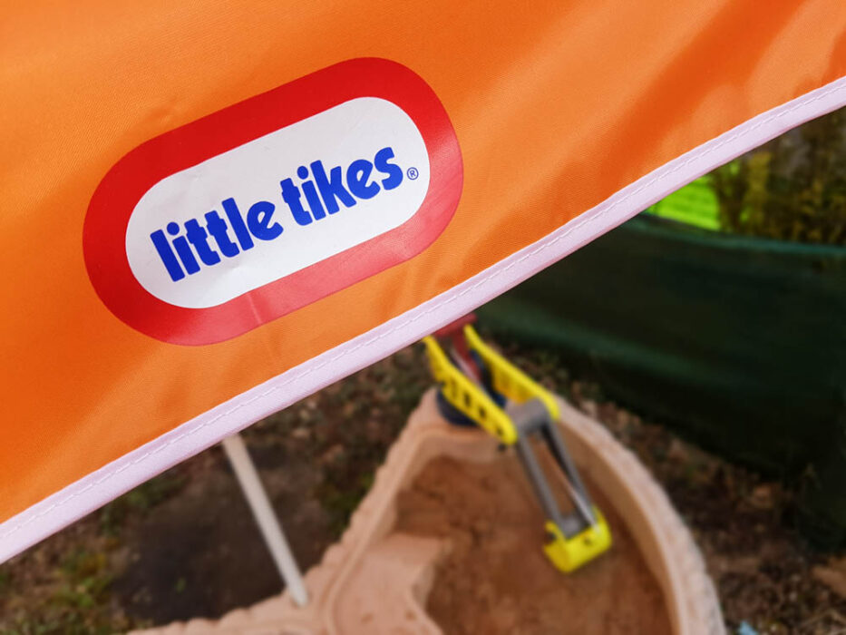 Garden fun with the Little Tikes Builders Bay sand & water table | Review