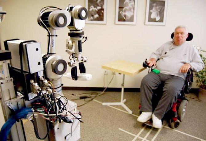 Robot inspirado en perros de asistencia