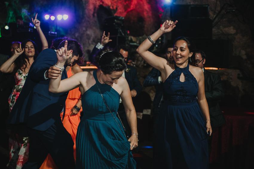 pareja bailado en boda cueva majuelo foto supercastizo