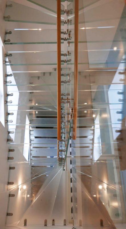 Superchi, architecte, Agencement, escalier, transparent, verre, réhabilitation, manoir