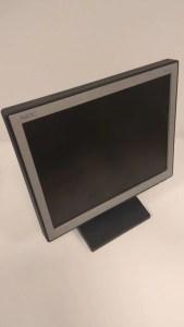 Monitor LCD firmy NEC 15