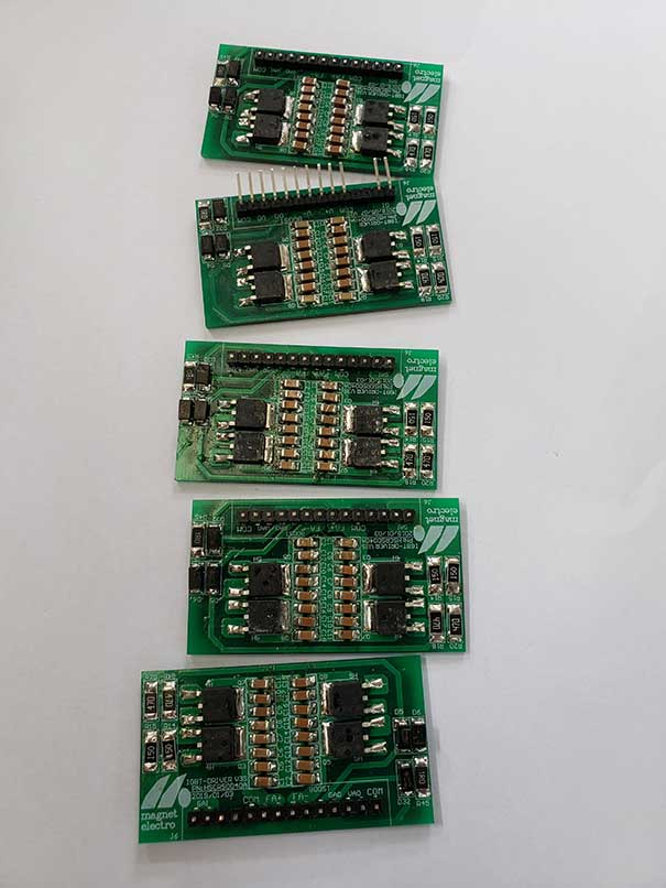 Supercritical CO2 fluid cleaning circuit board