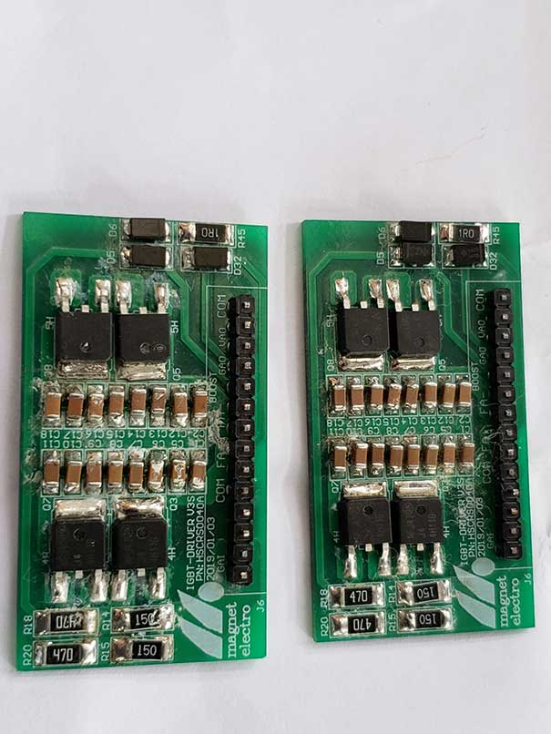 Supercritical CO2 cleaning circuit board