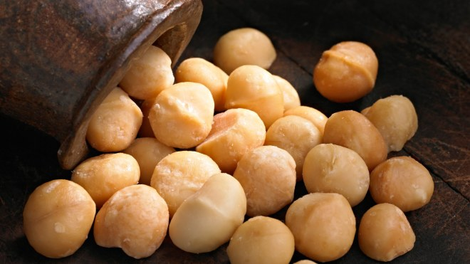 Cinnamon Maple Macadamias