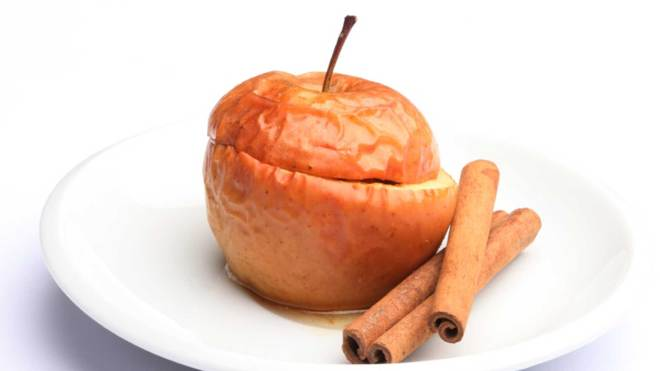 healthy baked apple dessert