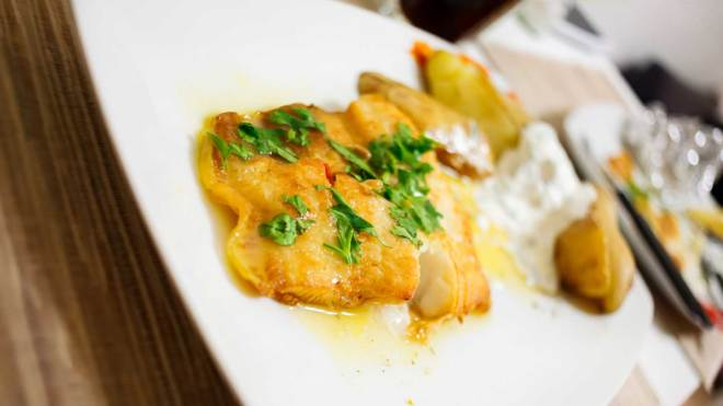 SuperFood halibut recipes: Tomato and White Wine Braised Halibut