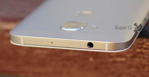 Еще один микрофон и аудиовыход для подключения наушников Huawei G8