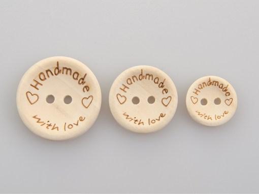 Guzik drewniany 2 dziurki Handmade with love 15, 20, 25 mm