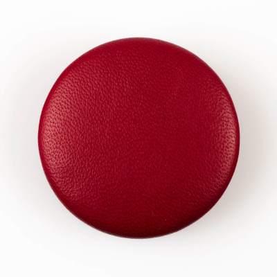 Guzik ciemno czerwony obciągany skórą cielęcą 50 mm