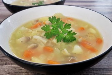 Hearty veg and bacon soup