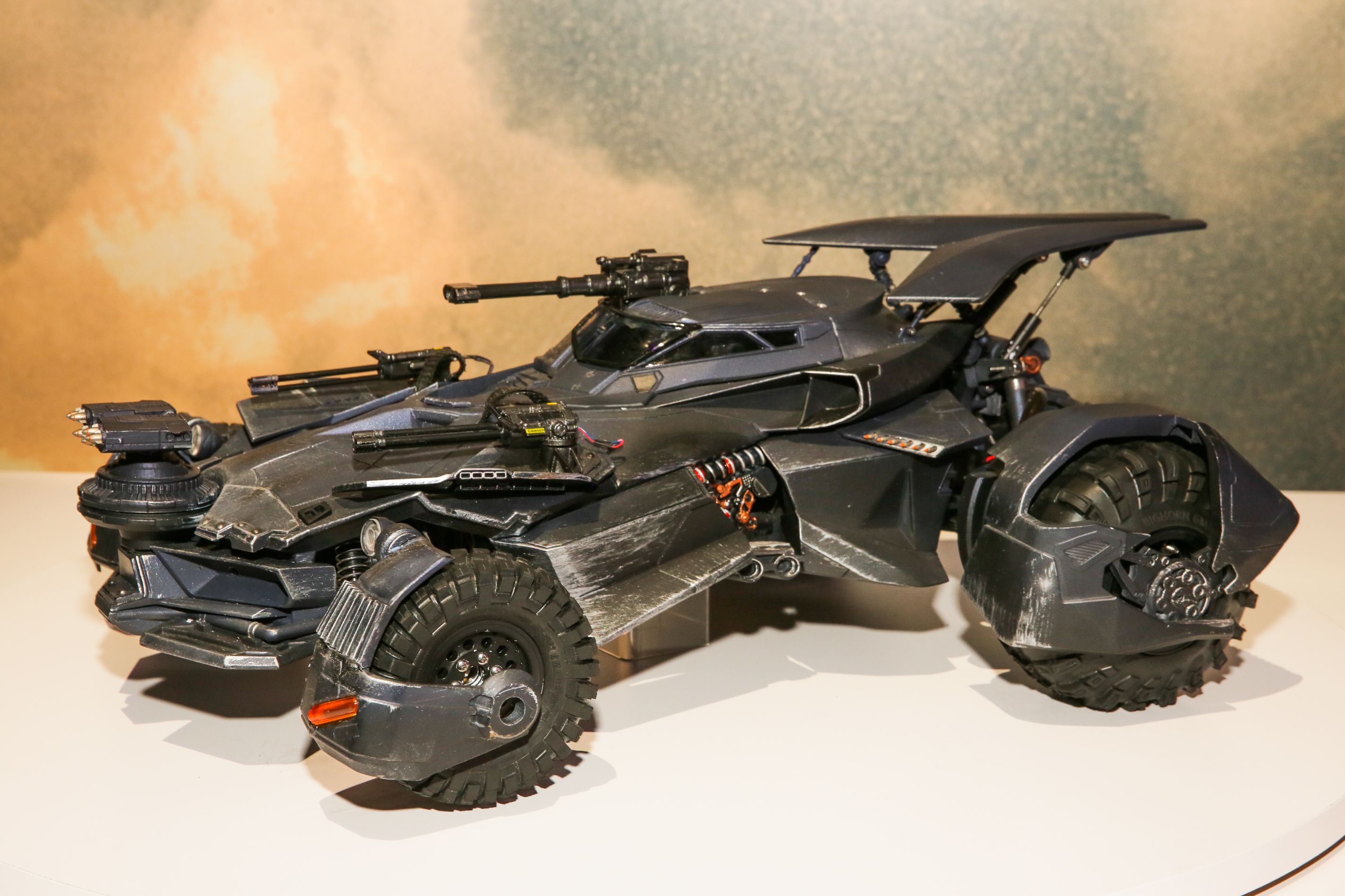 justice-league-batmobile-20