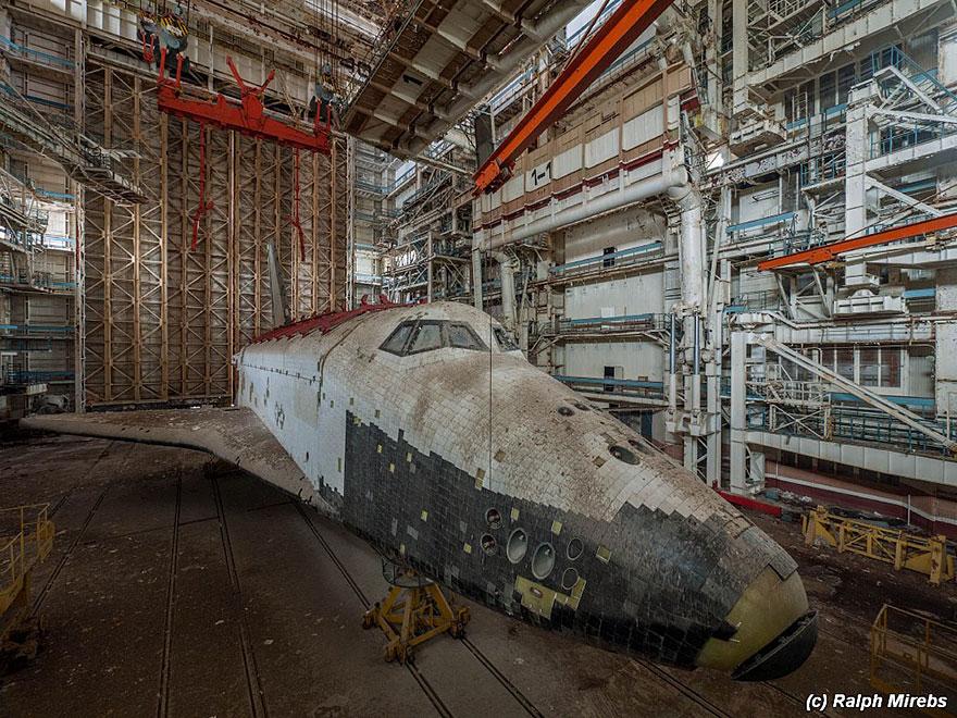 abandoned-soviet-space-shuttle-hangar-buran-baikonur-cosmodrome-kazakhstan-ralph-mirebs-20