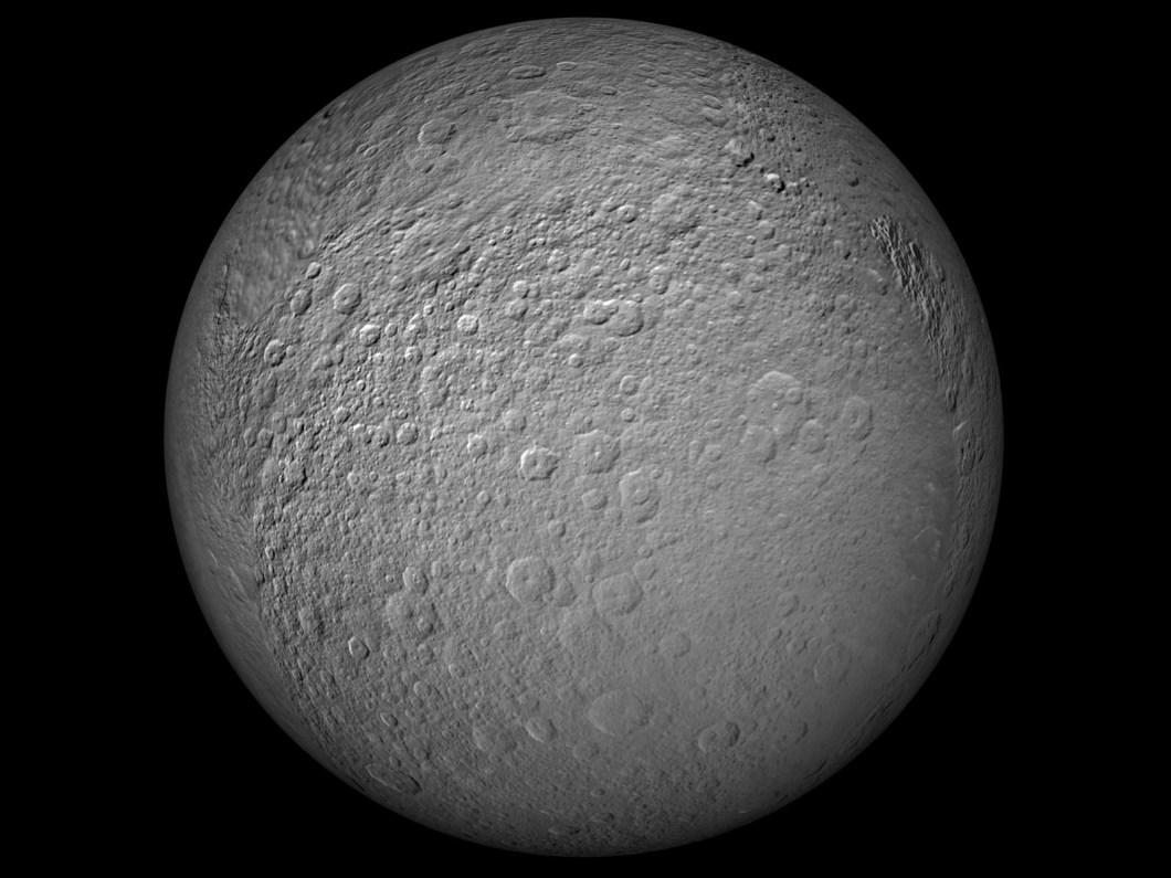Satürnün uydusu Reya