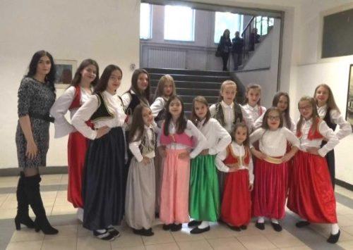 """U Zenici održani 6. folklorni susreti djece i mladih """"Sitno kolo okolo"""""""