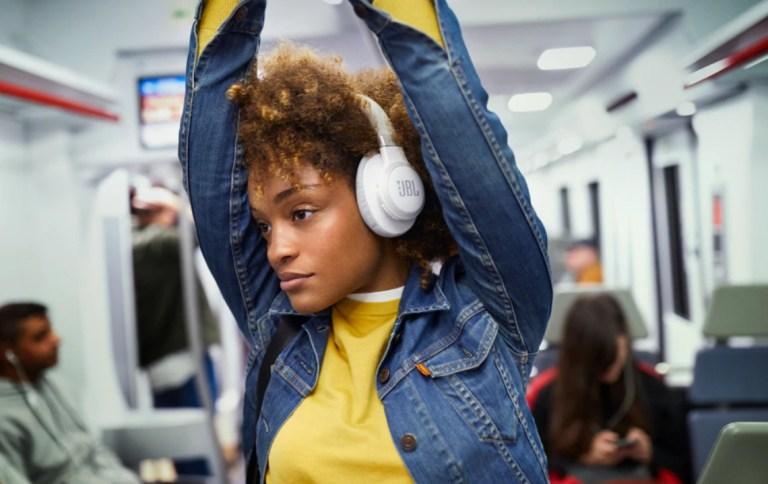 JBL-Live-650BTNC Wireless-Headphones - White -Review by Superior Digital News