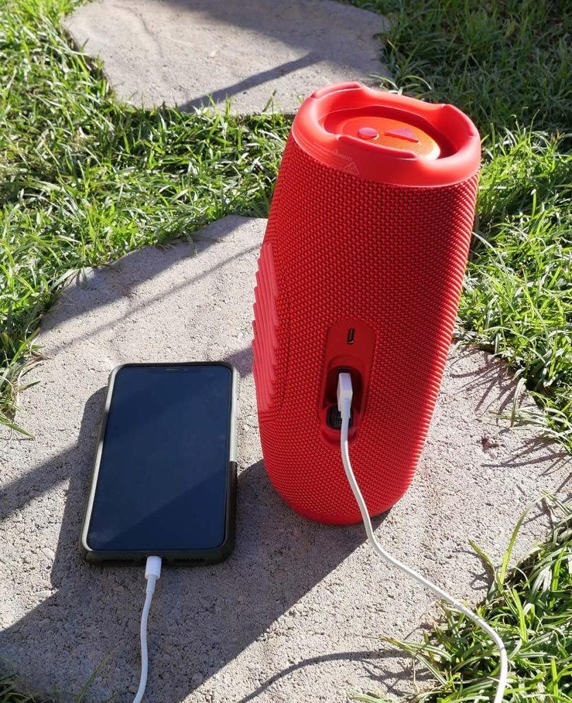JBL-Charge-5-Bluetooth-Speaker-Charging-iPhone-XS-Max