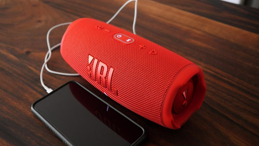 JBL-Charge-5-Bluetooth-Speaker-and-iPhone-XS-Max