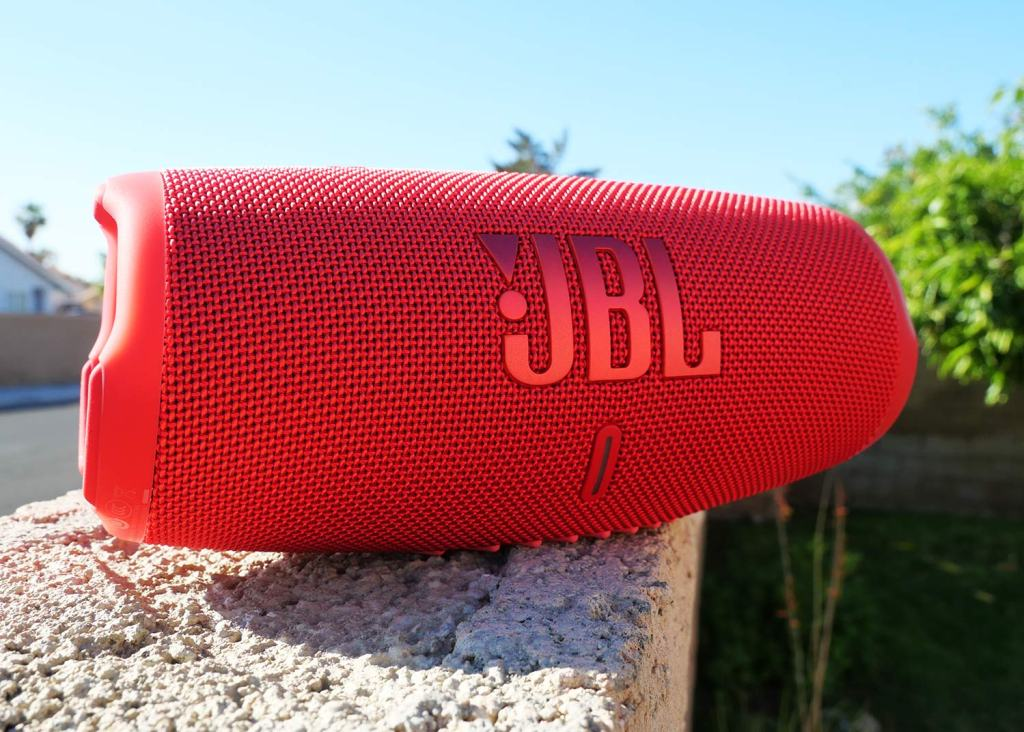 JBL Charge 4 vs Charge 5 Outdoor Portable Bluetooth Speaker