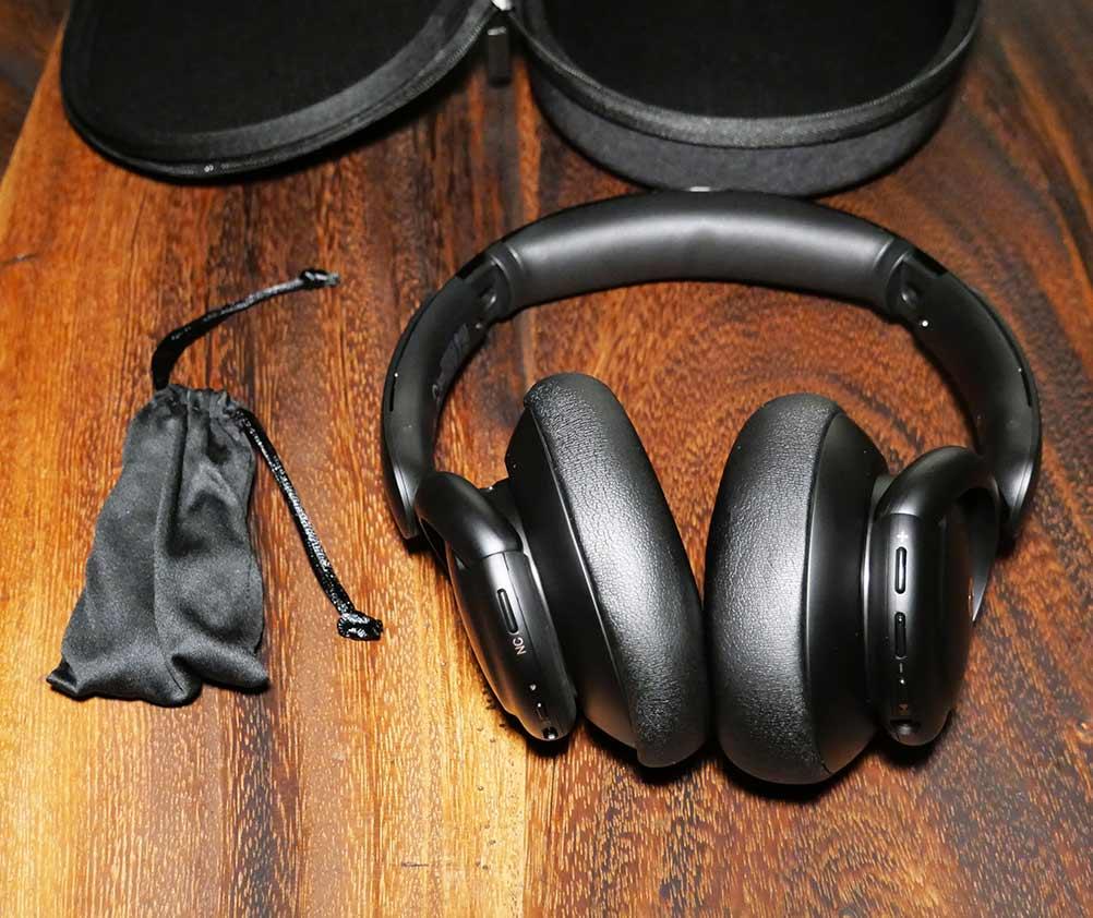 Soundcore Life Q30 Accessory Kit