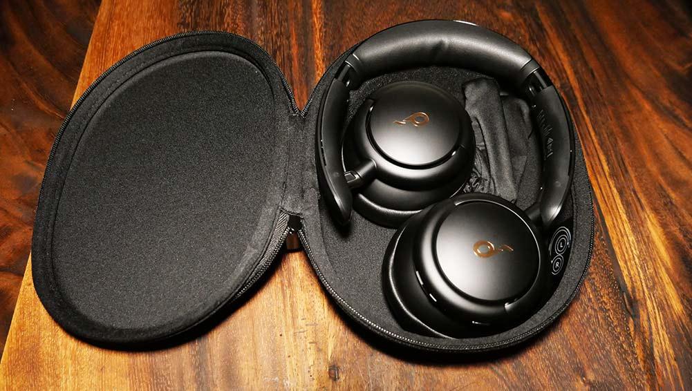 Soundcore Life Q30 - Travel Case
