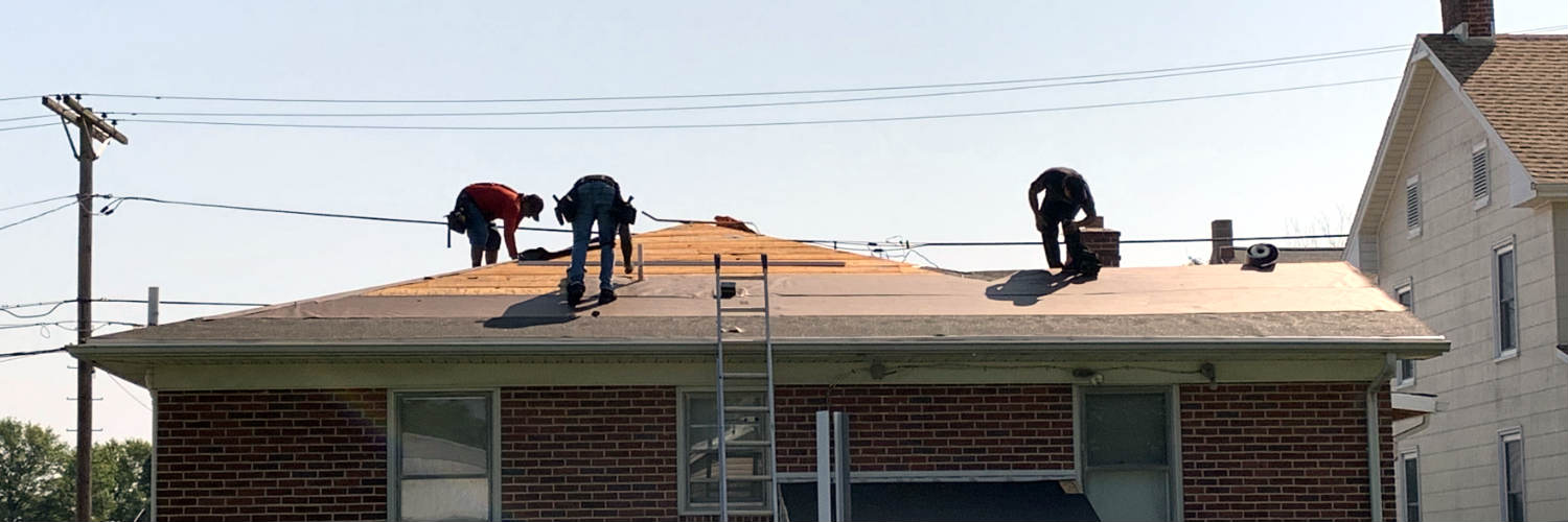 Roofing Contractor Superior Services of PA & MD offering roof replacements in New Oxford PA 17350.