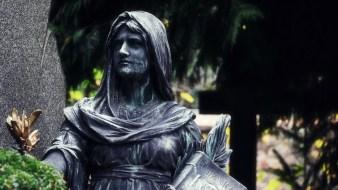 Darmstadt - Alter Friedhof - Statue #3