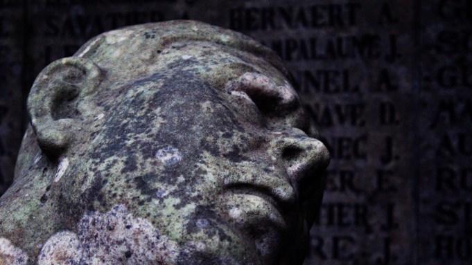 Darmstadt - Waldfriedhof - Statuen