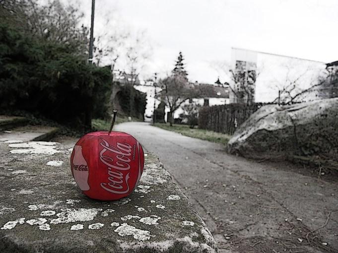 """""""Cola-Apfel"""" - Kunstprojekt – Anfang eines Hobbies (Teil 1/Fotoserie)"""