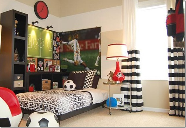 une chambre de footballeur superlipos s. Black Bedroom Furniture Sets. Home Design Ideas