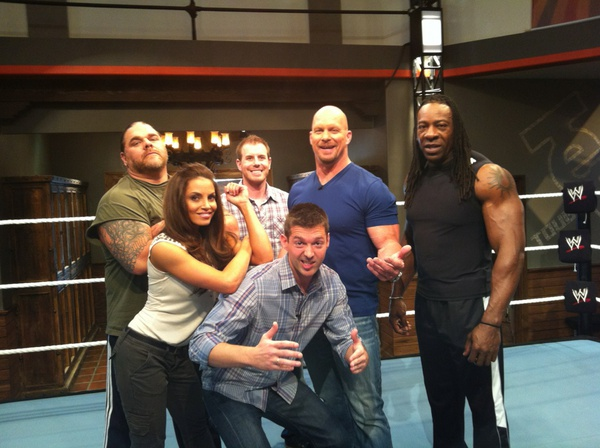 Foto de Bill DeMott, Steve Austin, Trish Stratus y Booker T en WWE Tough Enough
