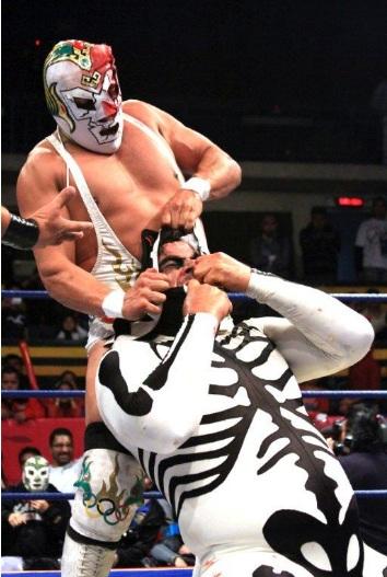 Dr. Wagner Jr. vs. L.A. Park // Arena Naucalpan - 15 de noviembre de 2012 // Image by www.luchalibreaaa.com