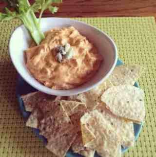 buffalo chicken dip and chips